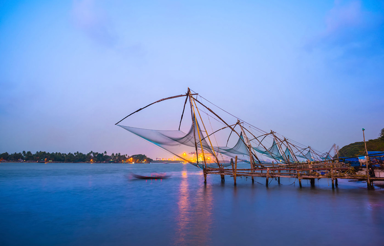 Kochi chinese fishnets in twilight Kochi, Kerala. Fort Kochin, K