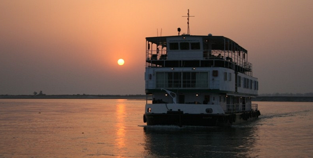 sunset cruise on the river Hooghly